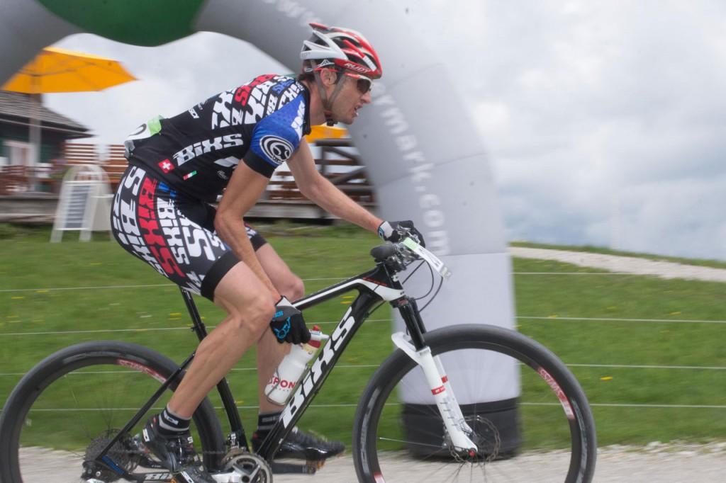Der schweizer Etappensieger Lukas Buchli (c) Alpentour Trophy - Regina Stanger