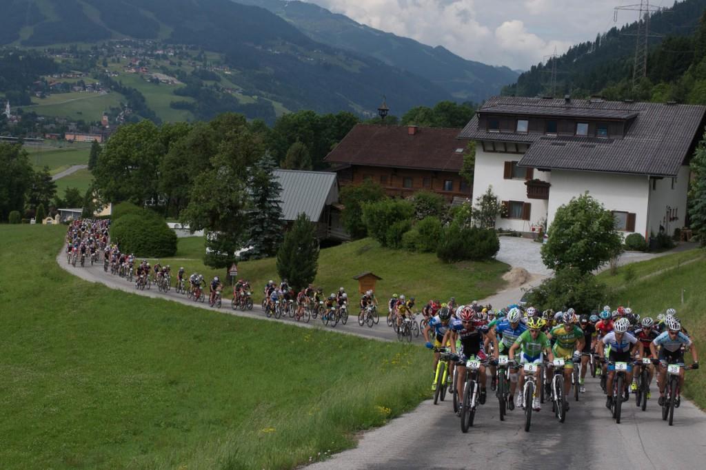 Start zur 4. und letzten Etappe (c) Alpentour Trophy - Regina Stanger