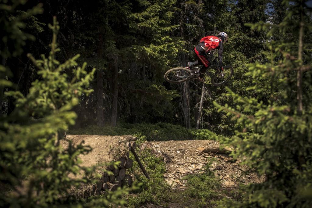 _web_Bikepark_Planai__18-06-2014__action__Loic_Bruni__Roland_Haschka_ymm__004