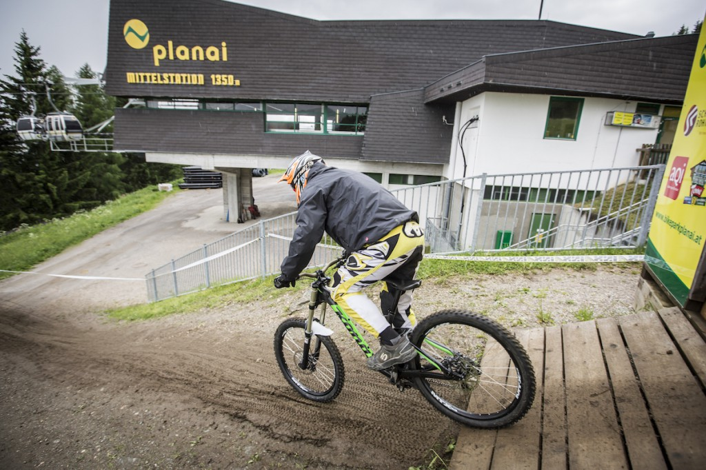 Gravity_Games__19-06-2015__IXS_Downhill_Cup__action__Roland_Haschka_ymm__001