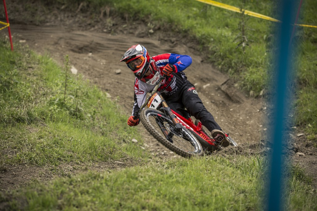 Gravity_Games__21-06-2015__IXS_Downhill__action__George_Brannigan__Roland_Haschka_ymm__112
